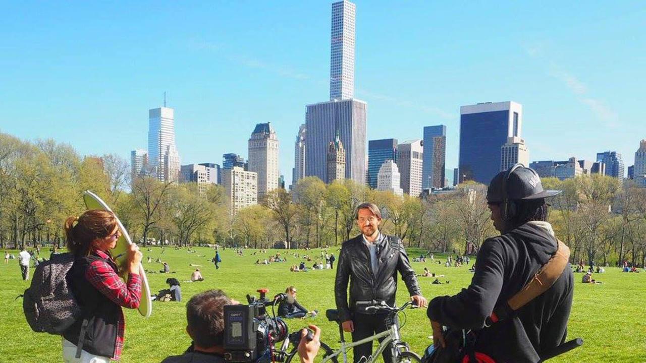 Máxim, durate el rodaje en Central Park.