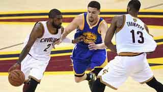 Máxima tensión en el encuentro entre Golden State y Cleveland Cavaliers