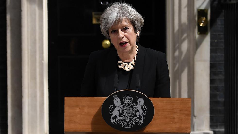 """May anuncia medidas más contundentes: """"Hay demasiada tolerancia con el extremismo en este país"""""""