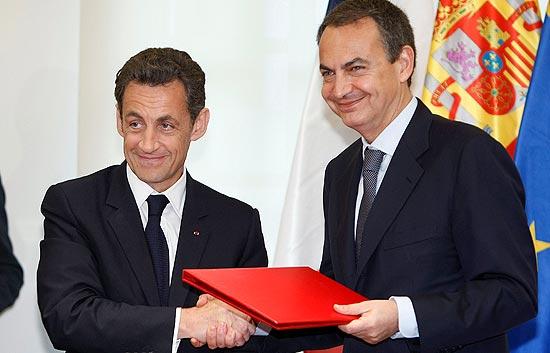 Zapatero pide tranquilidad ante la gripe porcina
