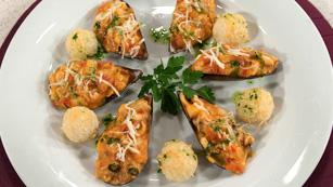 Saber Cocinar - Mejillones rellenos de calamares con bolitas de arroz
