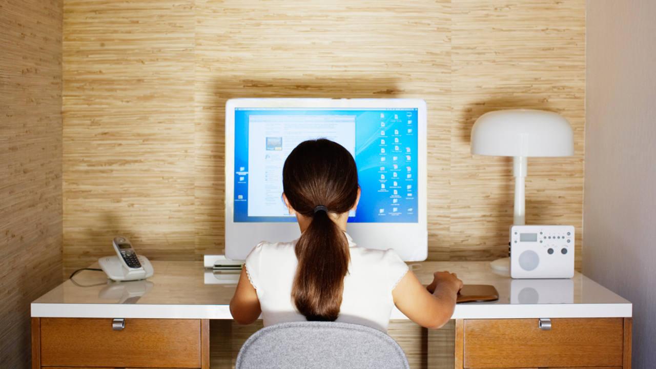 Los menores son los más vulnerables en el ámbito de internet.