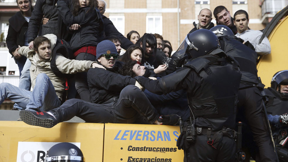 Al menos 11 detenidos durante el desalojo de un edificio en el barrio de Tetuán en Madrid