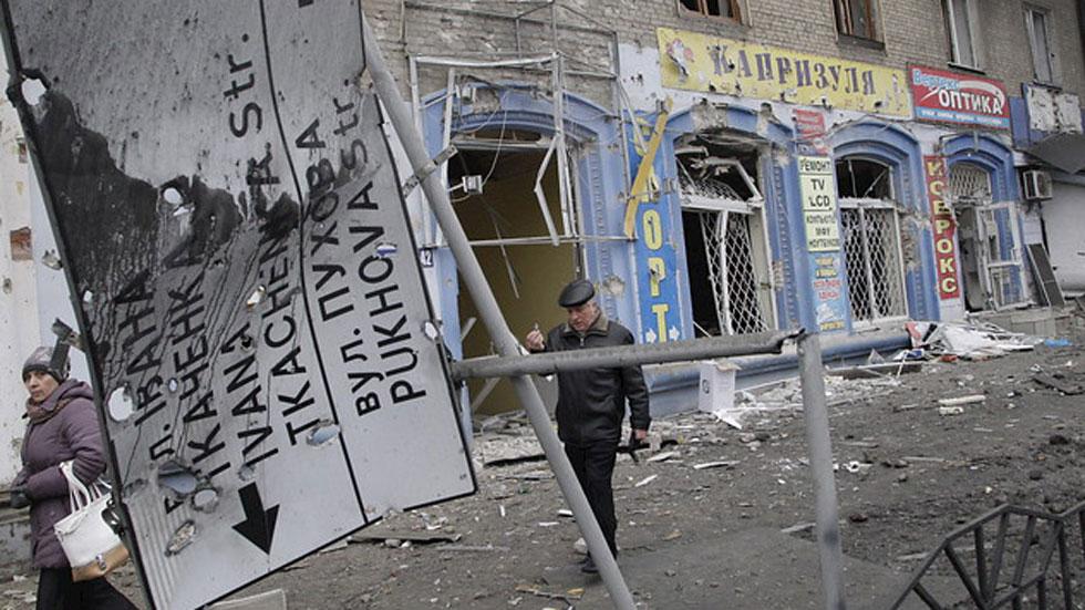 Al menos 15 civiles han muerto en el ataque a una parada de autobús en Donestk