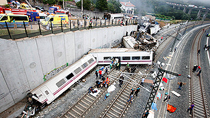 Al menos 60 muertos y más de 125 heridos en el accidente de un tren Alvia en Santiago
