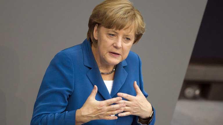 Angela Merkel cree que el caso español demuestra lo importante que es supervisar la banca