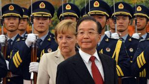 Merkel visita China y acuerda la venta de 50 aviones Airbus