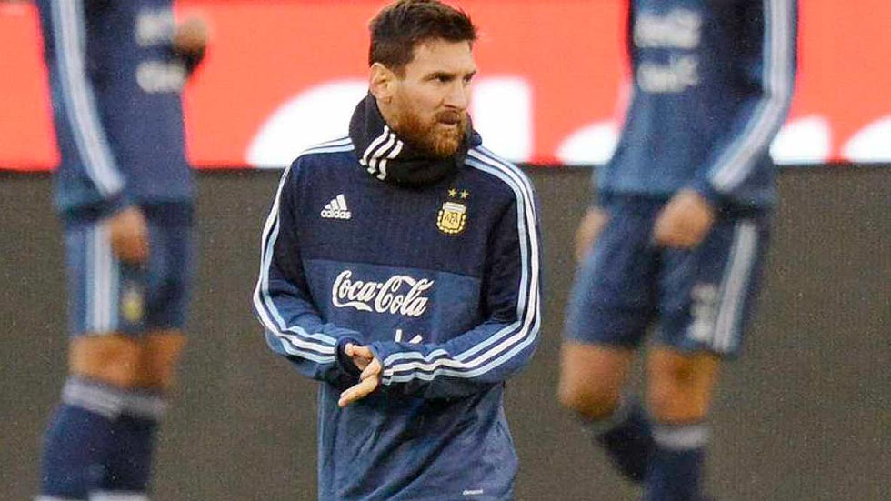 """Messi elogia a Cristiano: """"Se supera cada año"""""""