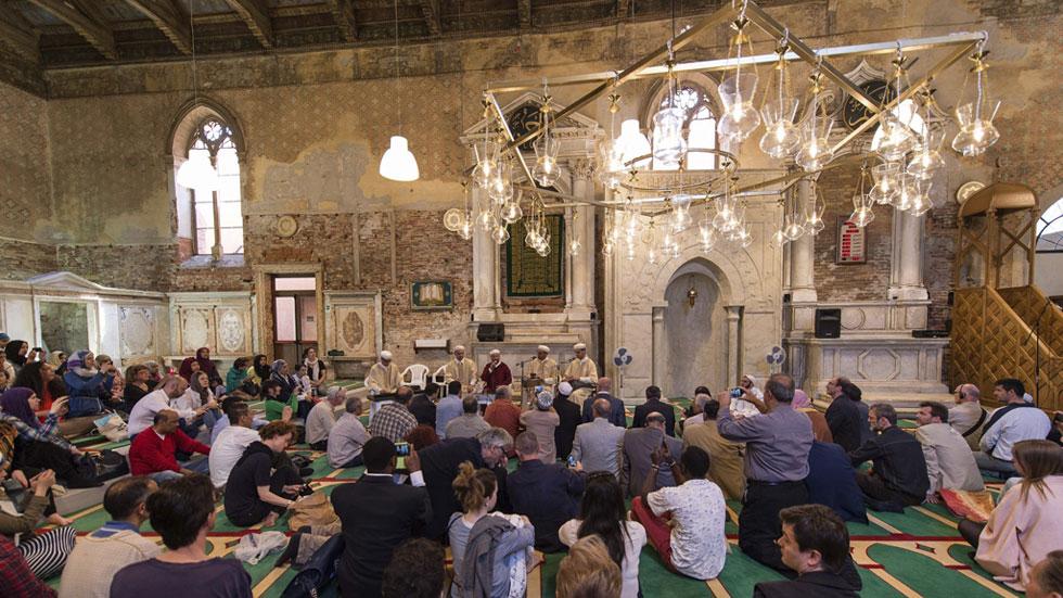 Las mezquitas de marruecos proponen la educaci n de for Educacion exterior marruecos