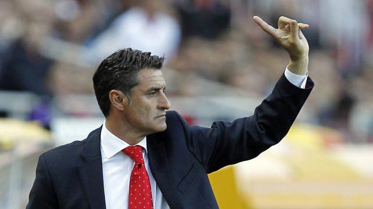 Míchel ha renovado con el Sevilla por una temporada