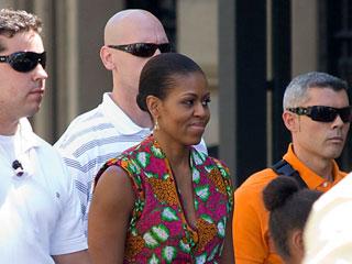 La primera dama de Estados Unidos y su hija Sasha visitan Granada