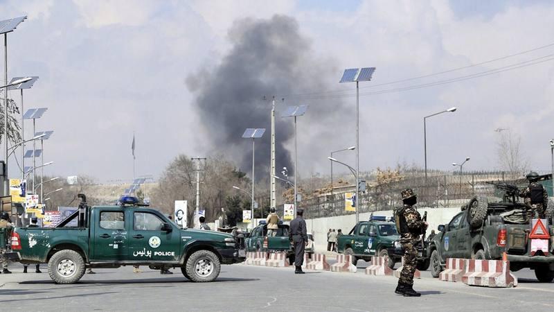 Resultado de imagen de 30 muertos en un ataque del Estado Islámico a un hospital militar de Kabul