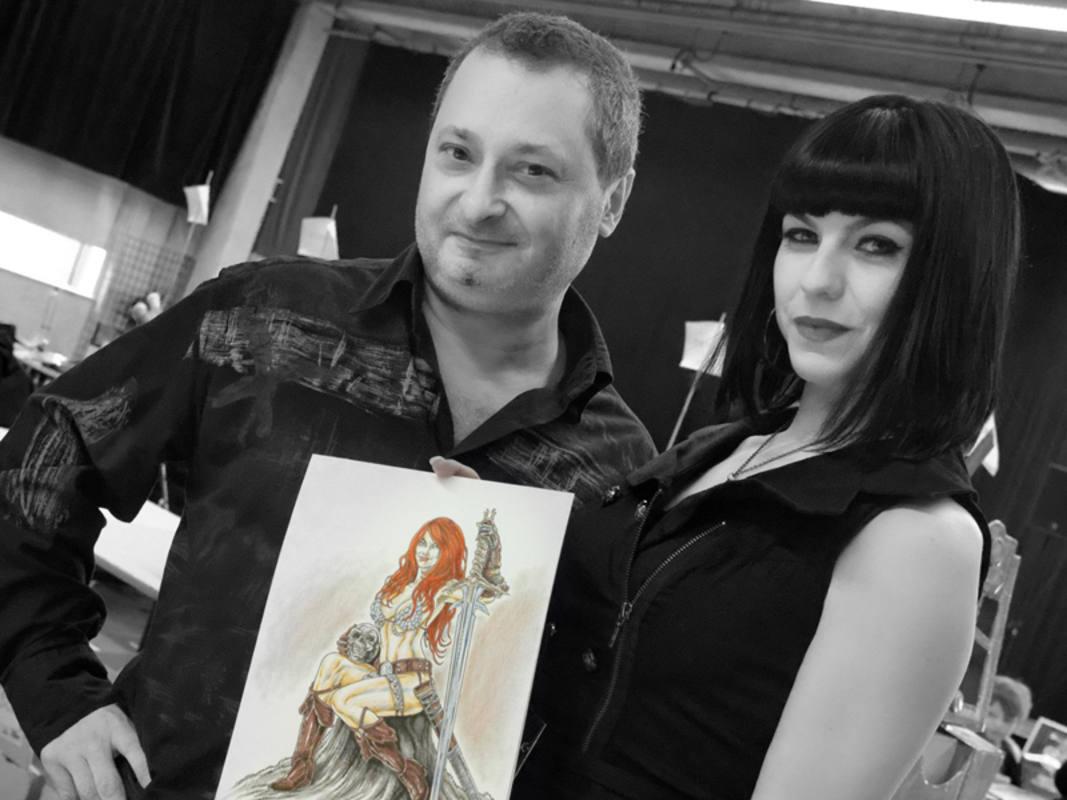 Mike Ratera con Steffan, su modelo para la Broadway del siglo XXI