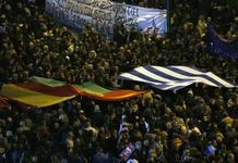 Miles de personas se manifestaron este domingo en Atenas contra la austeridad
