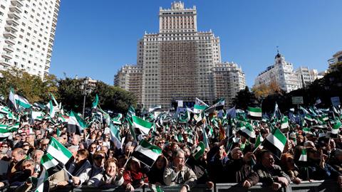 Miles de personas se manifiestan en Madrid para exigir un tren digno en Extremadura