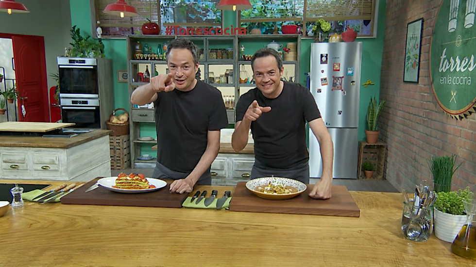 Torres en la cocina - Milhojas de calabacín y Pollo con especias
