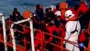 Ir al VideoUn millar de migrantes llegan a las costas españolas desde el pasado viernes