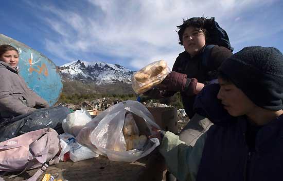 Informe semanal - Trece millones de pobres en Argentina