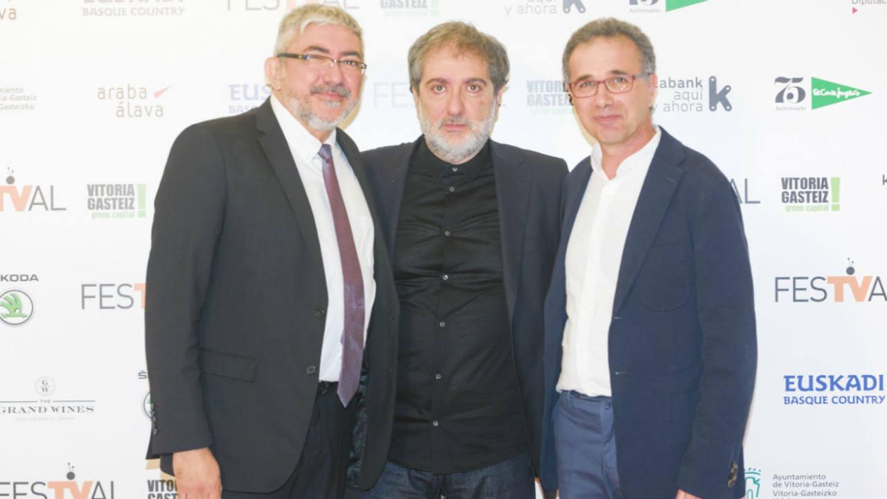 'El Ministerio del Tiempo' galardonado con el Premio ALMA al mejor guión de serie de televisión en el FesTVal de Vitoria