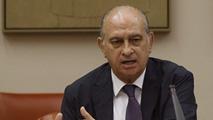 Ir al VideoEl ministro del Interior asegura que se reunió con Rato por las amenazas que está recibiendo