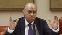 """Ir al VideoEl ministro del Interior asegura que se reunió con Rato por las """"graves amenazas"""" que están recibiendo él y su familia"""