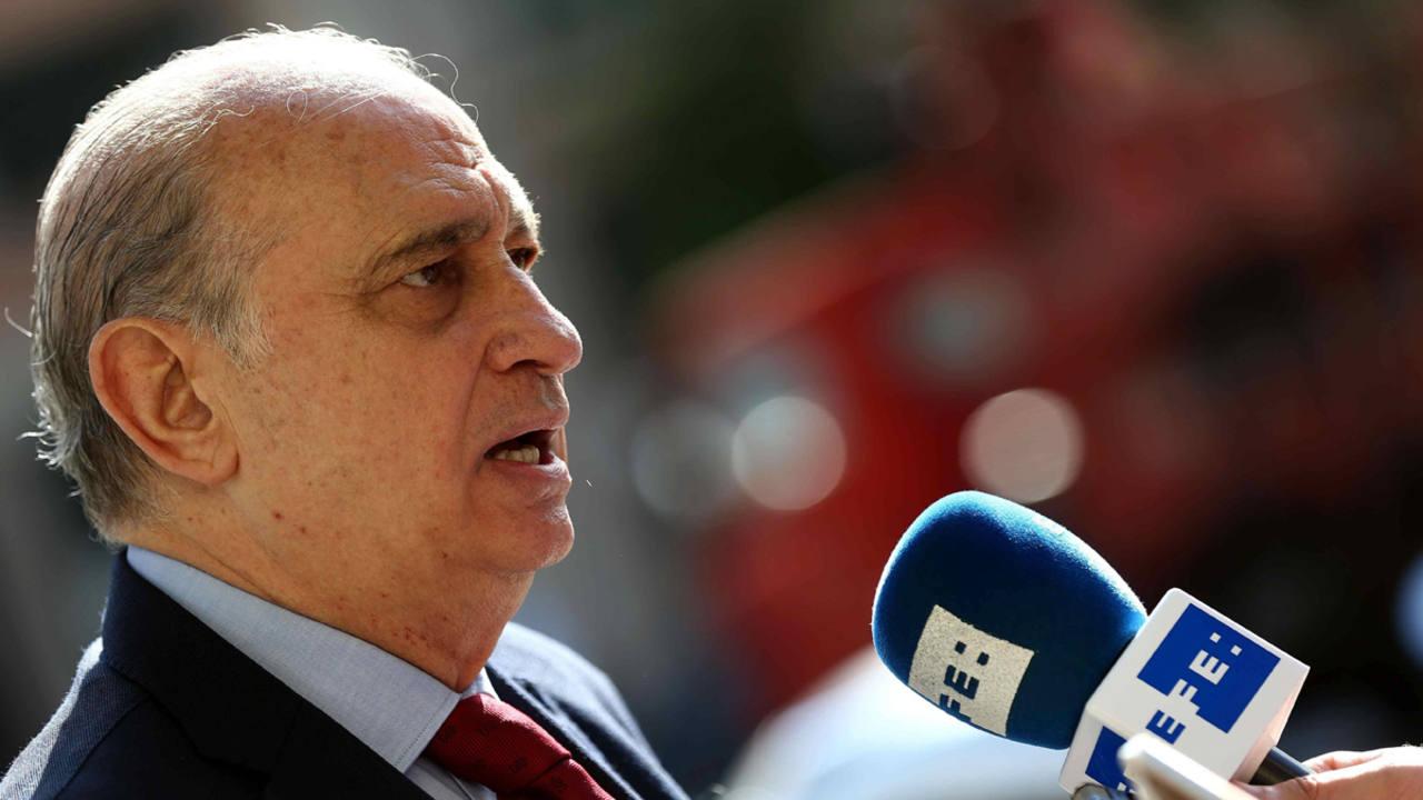 El congreso rechaza que fern ndez d az y rajoy comparezcan for Escuchas ministro del interior