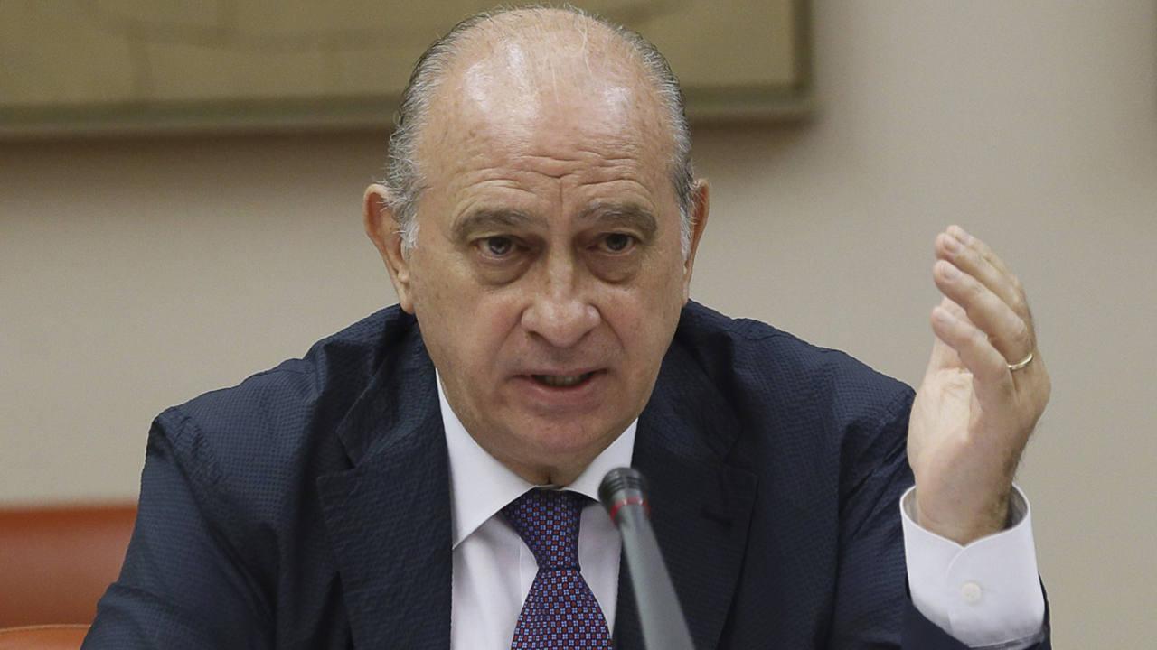 Fern ndez d az rechaza el buenismo oficial con los for Escuchas ministro del interior