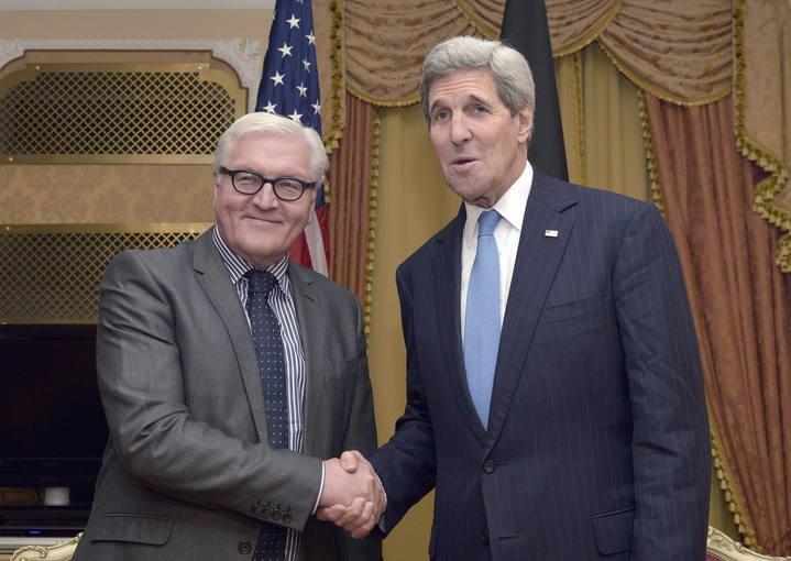 El ministro de Relaciones Exteriores alemán, Frank- Walter Steinmeier, y el secretario de Estado estadounidense, John Kerry, en Viena.