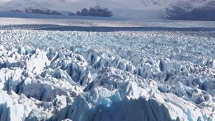 220 curvas en 30 kilómetros hacia el Perito Moreno