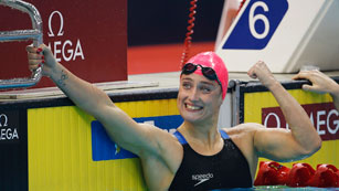 Mireia Belmonte brilla con tres nuevos oros en Singapur