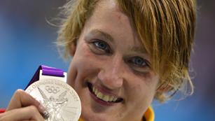 Mireia Belmonte, emocionada con su plata en 200 m mariposa