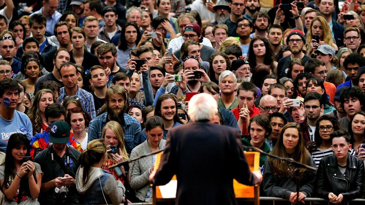 Mitin de Bernie Sanders, aspirante demócrata, en Fort Collins, Colorado