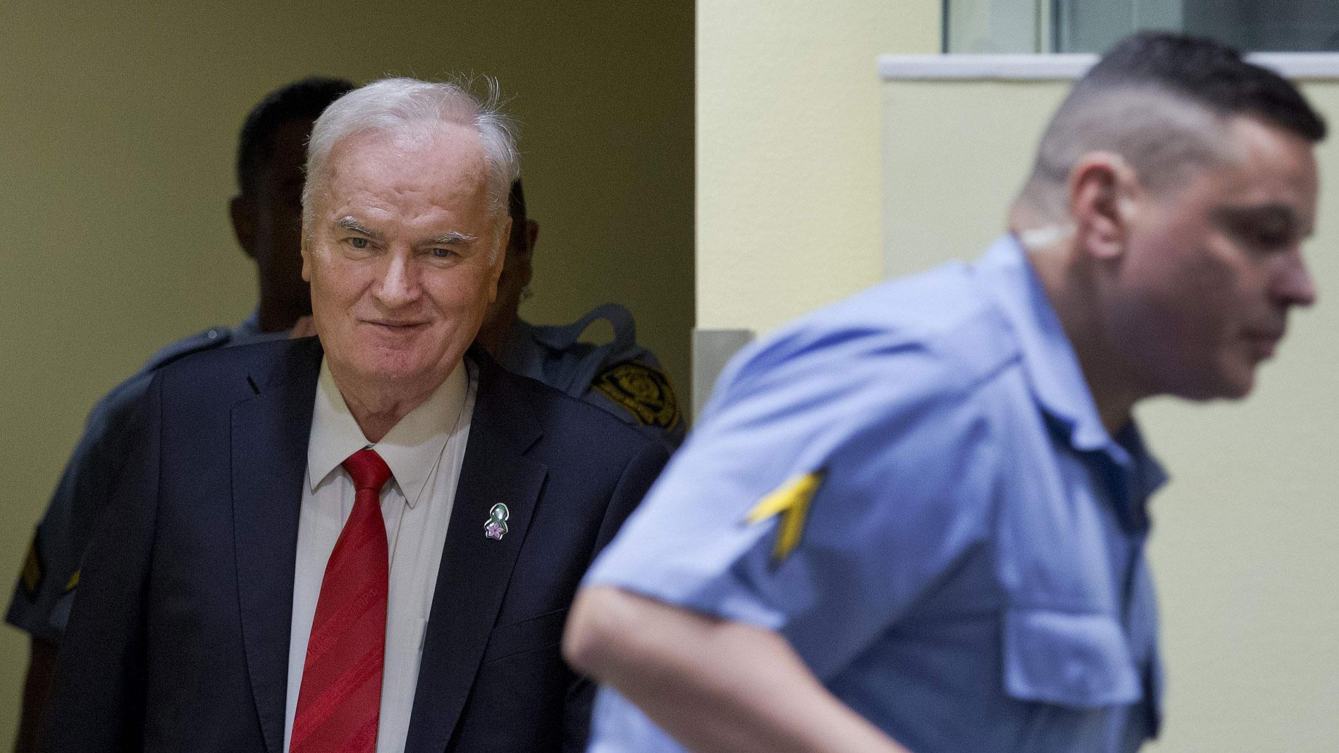 Resultado de imagen de rtve Mladic, condenado a cadena perpetua por genocidio, crímenes de guerra y crímenes contra la humanidad