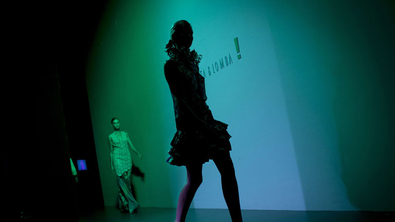 Informe Semanal: La moda se aju