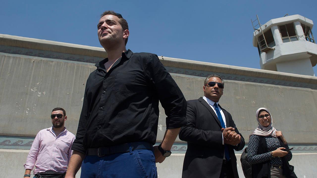 Mohamed Fahmy y Baher Mohamed, dos de los periodistas condenados en Egipto