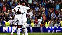 Ir al VideoEl Molinón examina al nuevo Real Madrid de Benítez