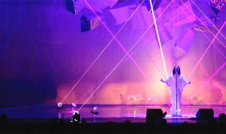 Un momento del espectáculo 'Swanlights' de Anthony & the Johnsons en el Teatro Real de Madrid.