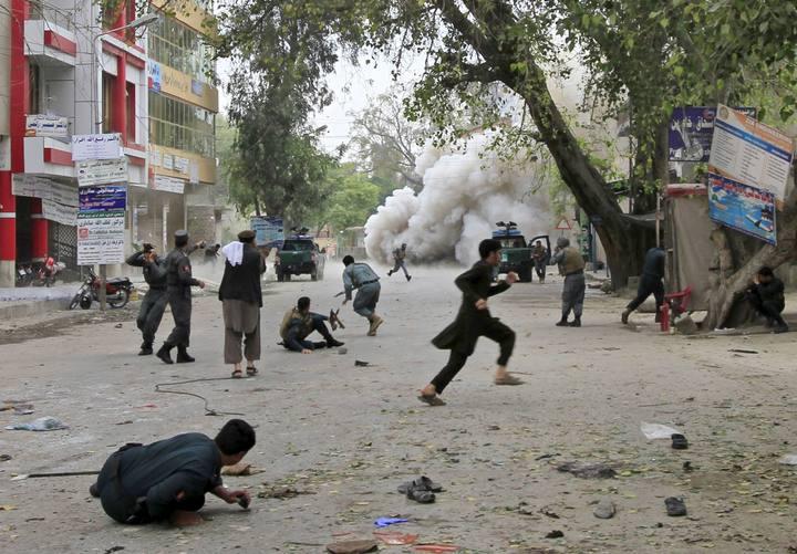 Momento de la explosión en Jalalabad
