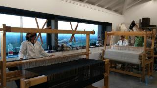 Aquí la Tierra-Un monasterio habitado por tejedoras