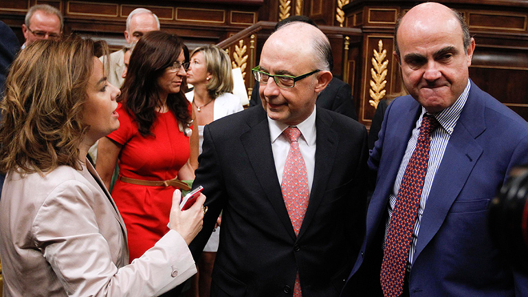 Montoro pide un esfuerzo por el bien de España y Rubalcaba cree que el ajuste agravará la recesión