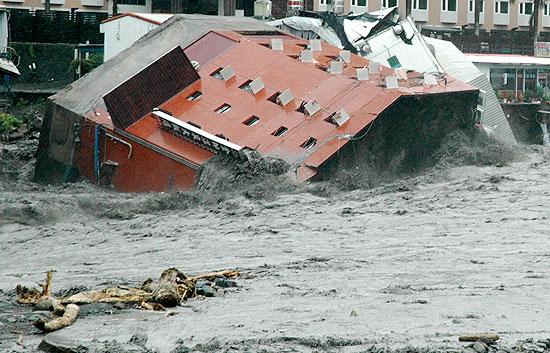 El tifón 'Morakot' destroza a su paso el sudeste asiático