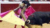 Ir al VideoMorante de la Puebla lleva a Illumbe el toreo clásico, pero sin conseguir oreja