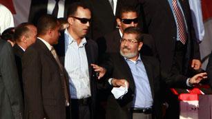 """Morsi, ante miles de seguidores en Tahrir: """"La revolución continùa"""""""