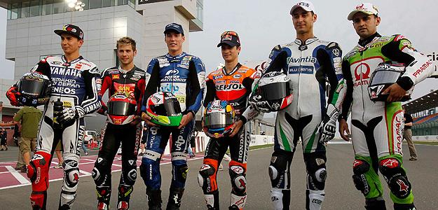 Los pilotos de MotoGP, en el circuio de Losail.