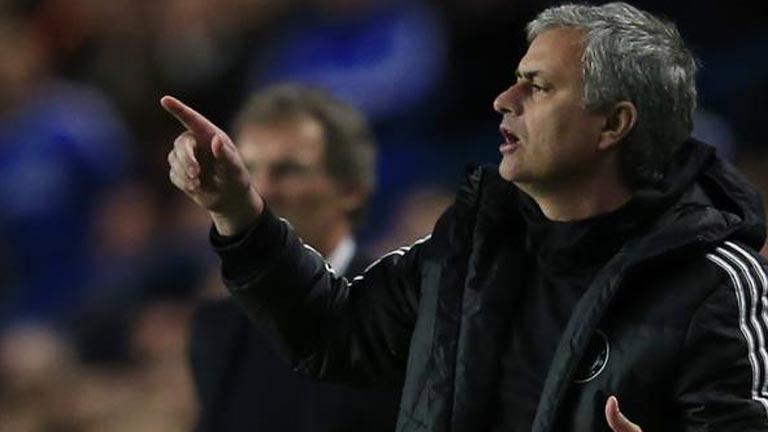 Mourinho admite el interés del Chelsea por Cesc