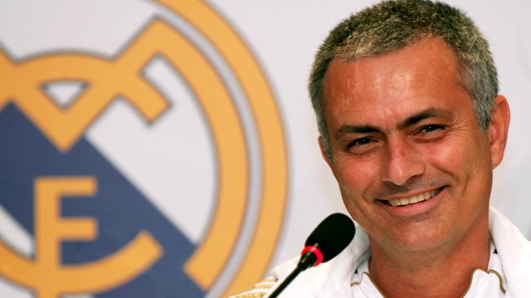 Mourinho amplia su contrato hasta 2016