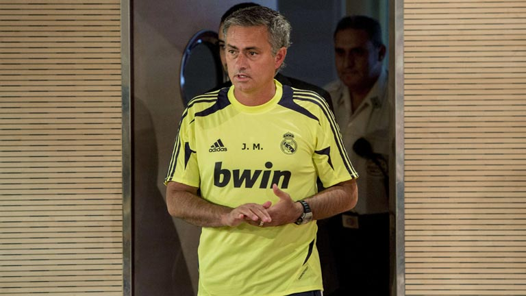 Mourinho vigila la puerta de los fichajes del Madrid