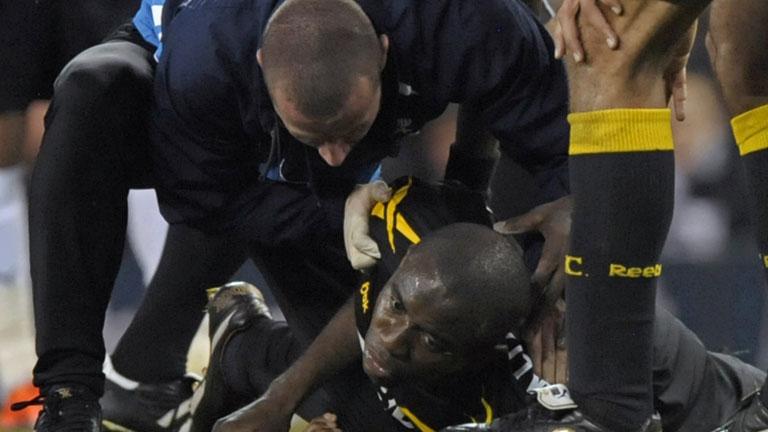 Muamba se desploma en el Tottenham-Bolton