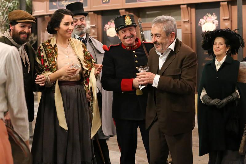 Muchos actores alzarán sus copas en homenaje al vecindario