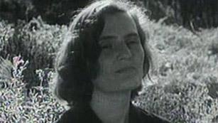 Muere Carmen Laforet (2004)